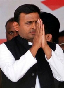 Akhilesh Yadav 219x300 Akhilesh lays foundation of 1,980 MW power plant
