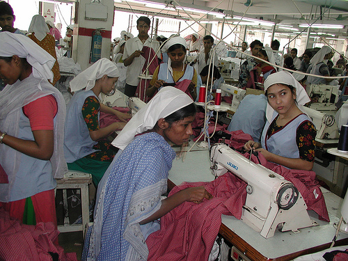 garment manufacturer in Bangladesh2 Bangladeshi garment manufacturers reopen factories